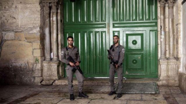 Israel advierte que los detectores de metal seguirán en entradas de la mezquita de Al Aqsa
